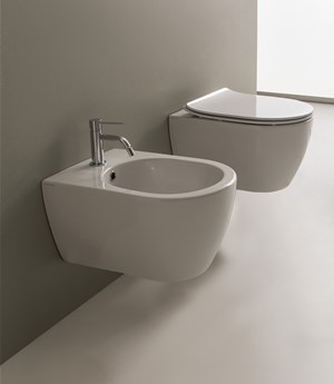 Wall-mounted WC Moon