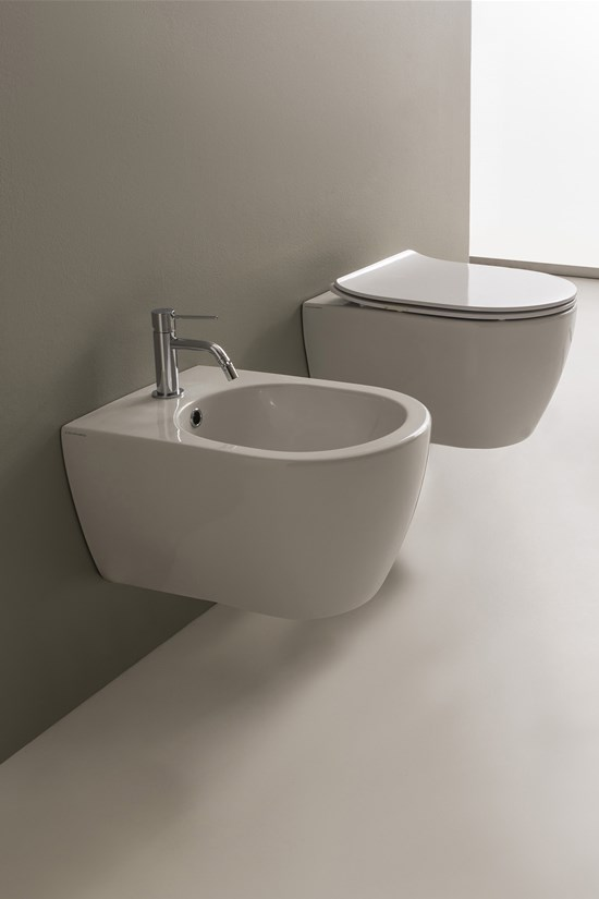 Wall-mounted bidet Moon